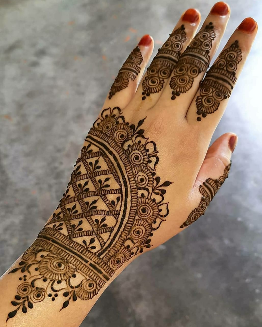 Simple engagement Henna design