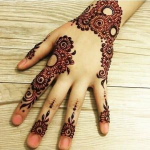 Stylish bail mehndi design